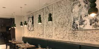 Lincoln bar kitchen