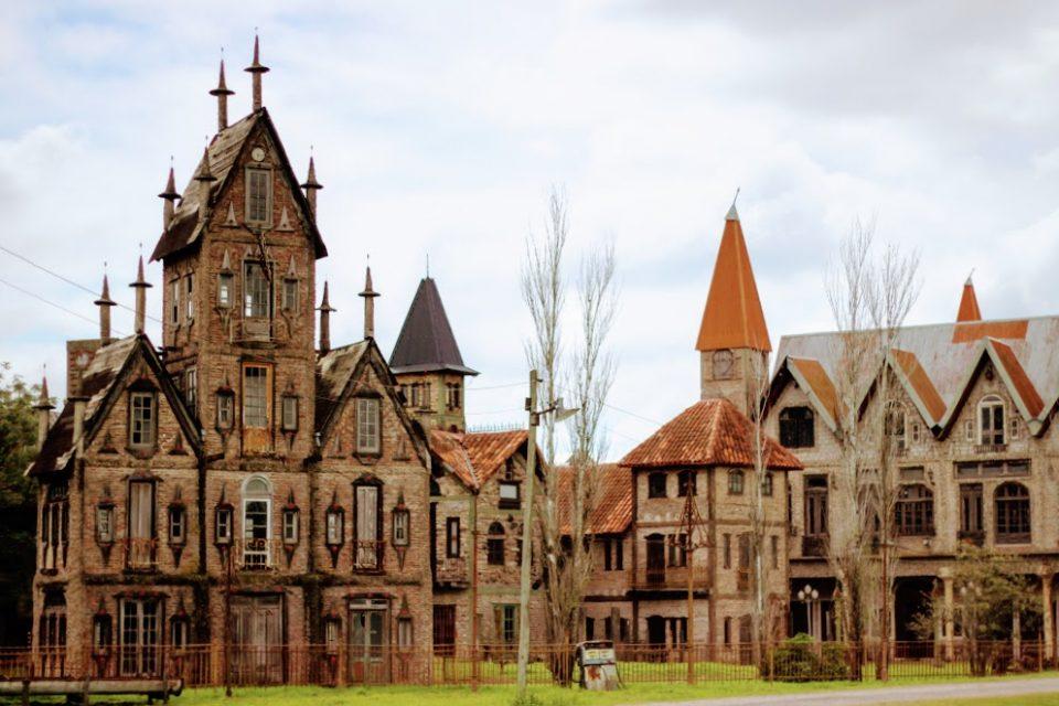 Campan polis la ciudad medieval ins lita a 30 km de capital for Espectaculo para ninos buenos aires