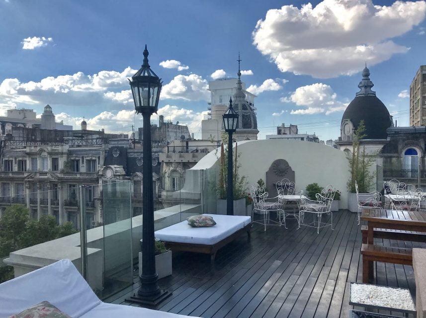 Dome Tragos Al Atardecer Mirando Las Cúpulas De Buenos Aires