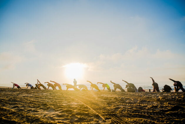 yoga surf playa mar de las pampas