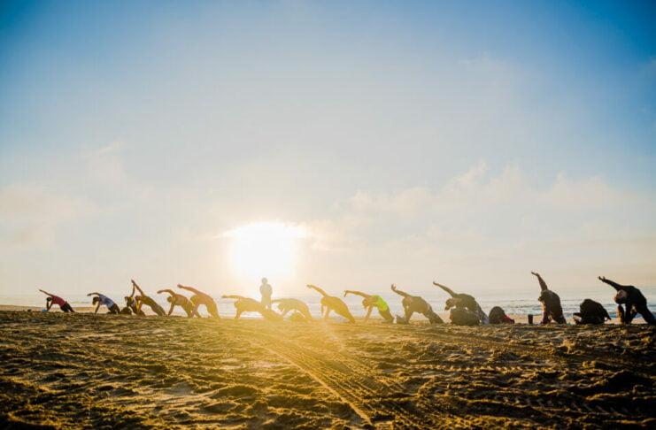 yoga surf playa mar de las pampas