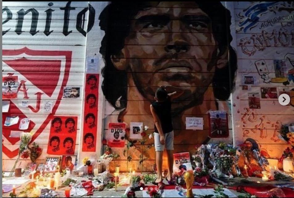 artistas callejeros maradona muro argentino juniors